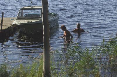 Båt o badbrygga mot väster